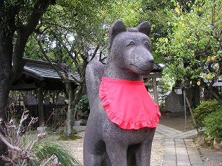三囲神社のおきつねさま.jpg